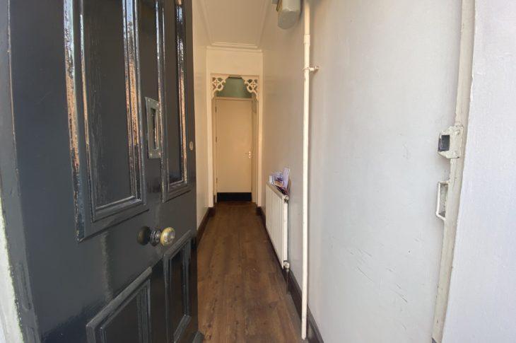 4B Gray Street